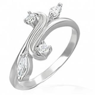 Snubný prsteň - rozvetvenie ukončené so zirkónmi - Veľkosť: 48 mm