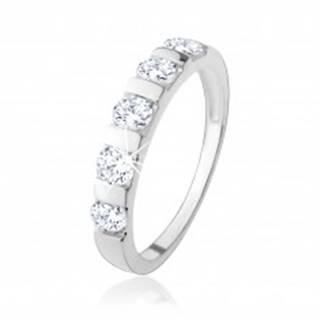 Strieborný prsteň 925, päť čírych zirkónov predelených úzkym pásikom - Veľkosť: 49 mm