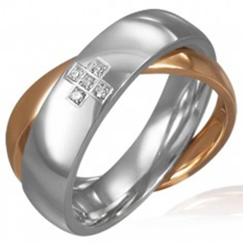 Šperky eshop Dvojitý oceľový prsteň - zirkónový kríž, zlatá a strieborná farba - Veľkosť: 46 mm