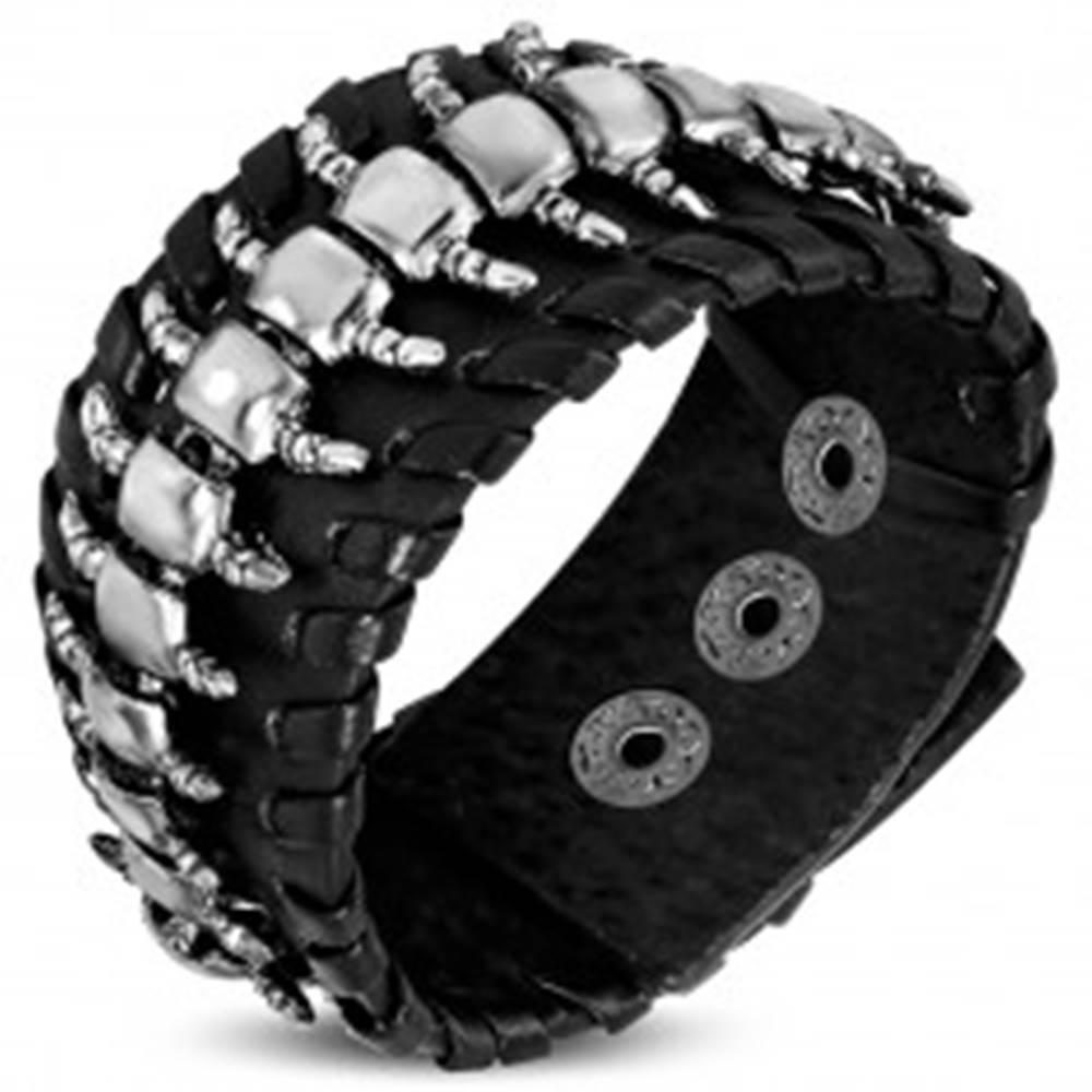 Šperky eshop Kožený náramok v čiernom odtieni - článkovaný chrobák, ozdobný lem