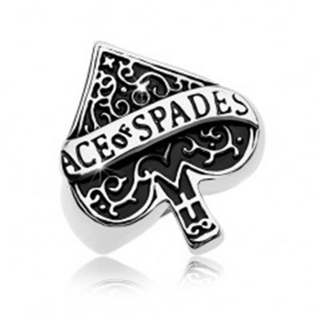 Šperky eshop Mohutný prsteň z ocele 316L, patinovaný symbol pikového esa, nápis - Veľkosť: 58 mm