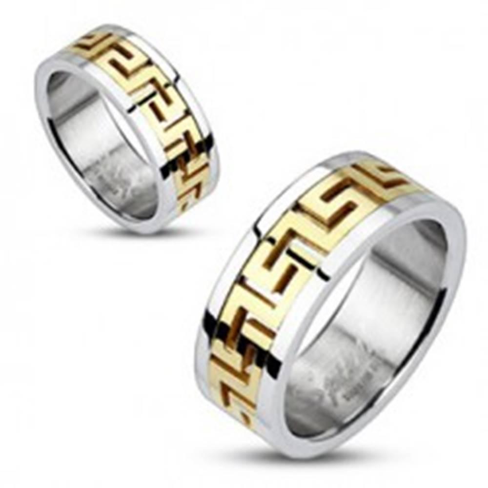 Šperky eshop Oceľový prsteň striebornej farby - vsadený grécky motív zlatej farby - Veľkosť: 49 mm