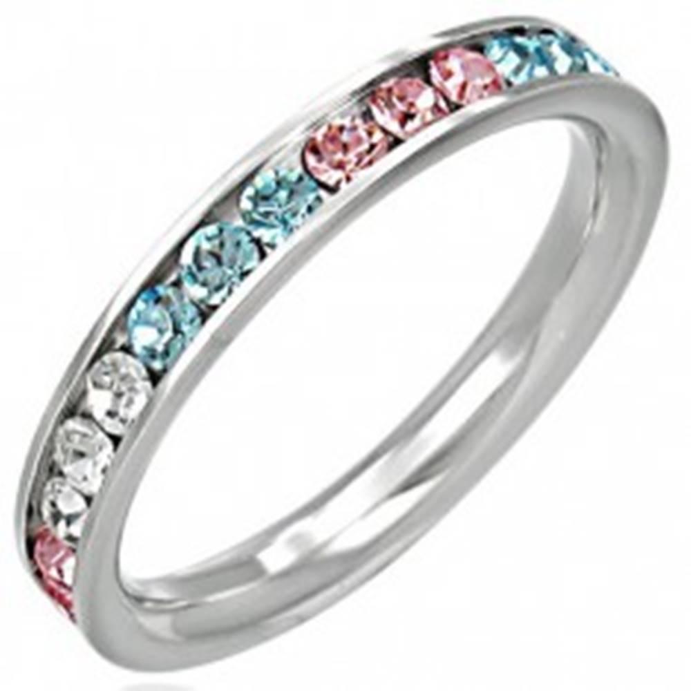 Šperky eshop Oceľový prsteň - zirkóny v troch farbách - Veľkosť: 49 mm