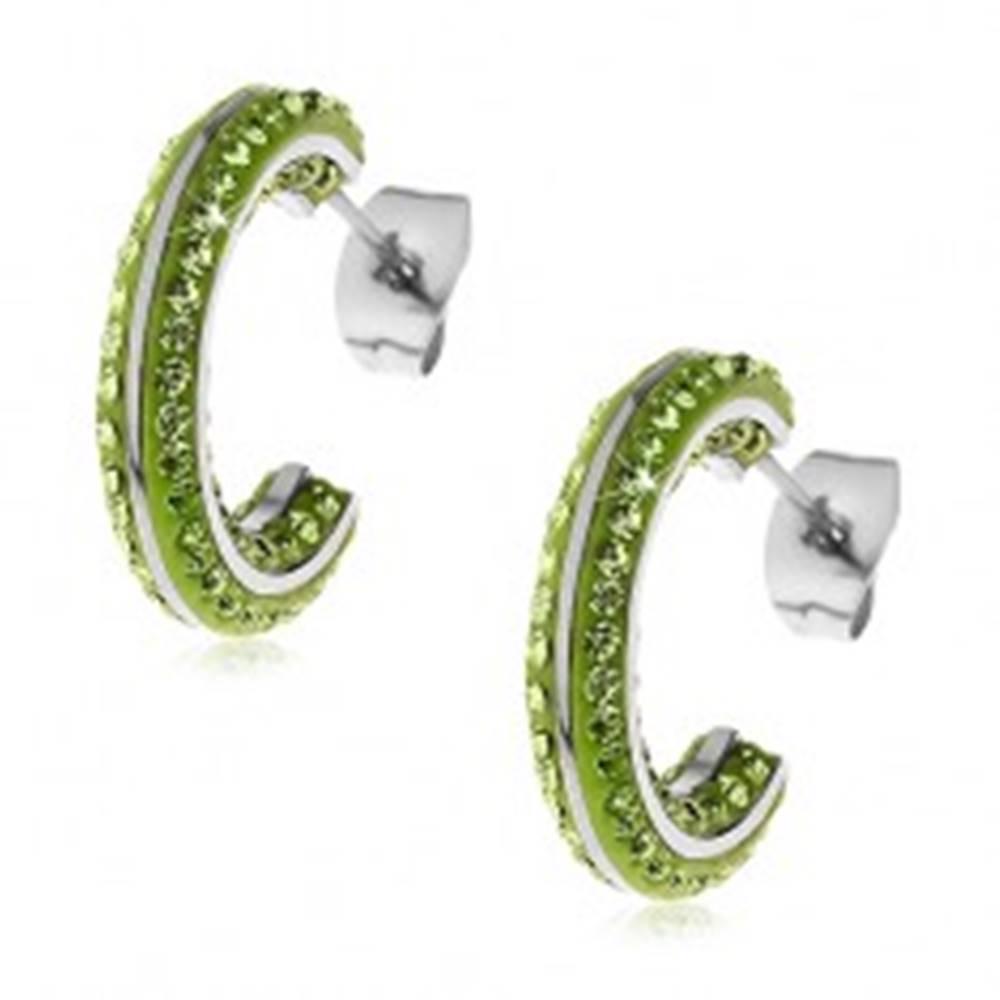 Šperky eshop Okrúhle oceľové náušnice - malé zelené zirkóny, lesklé línie striebornej farby