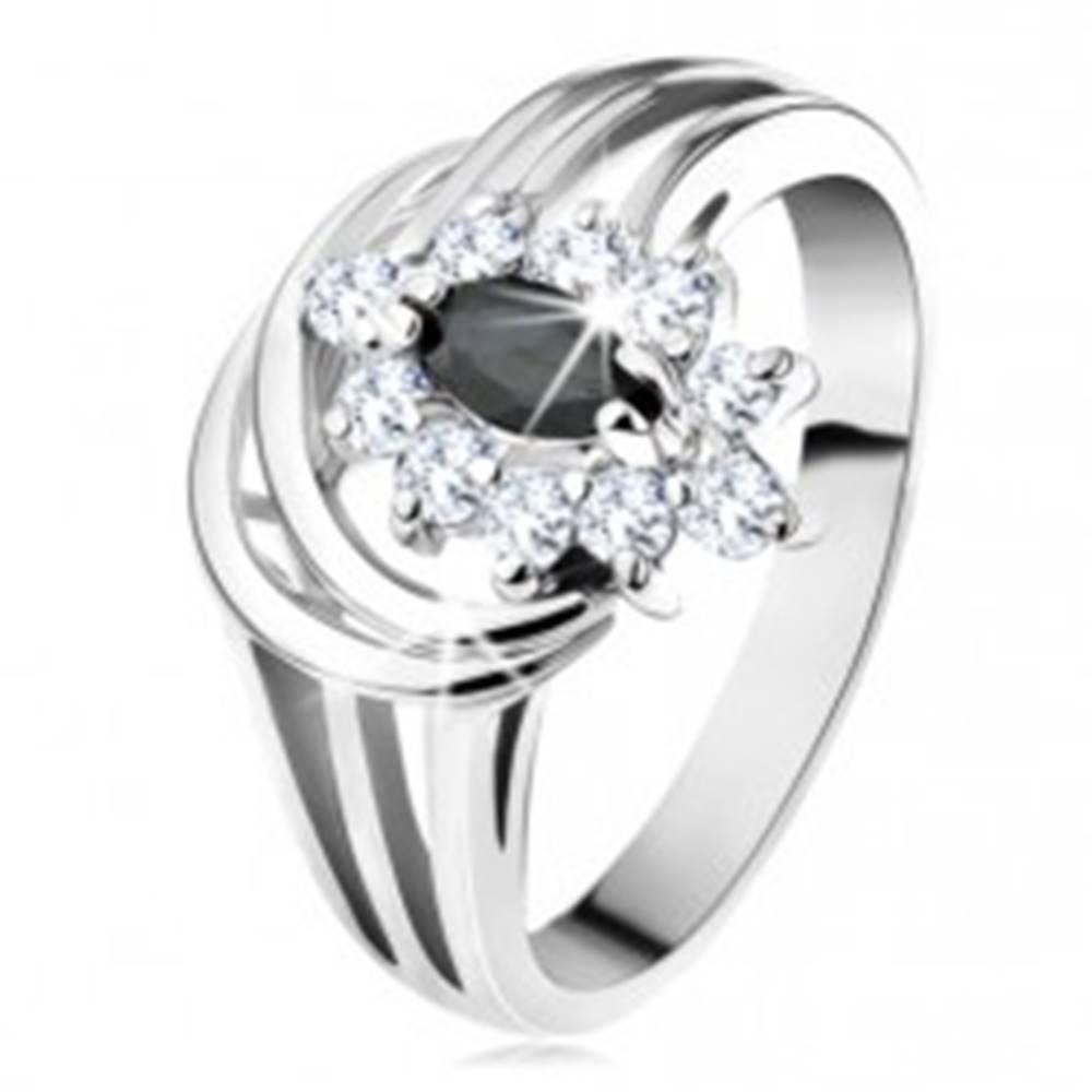 Šperky eshop Prsteň so strieborným odtieňom, čierne zirkónové zrnko, dva lesklé oblúky - Veľkosť: 49 mm