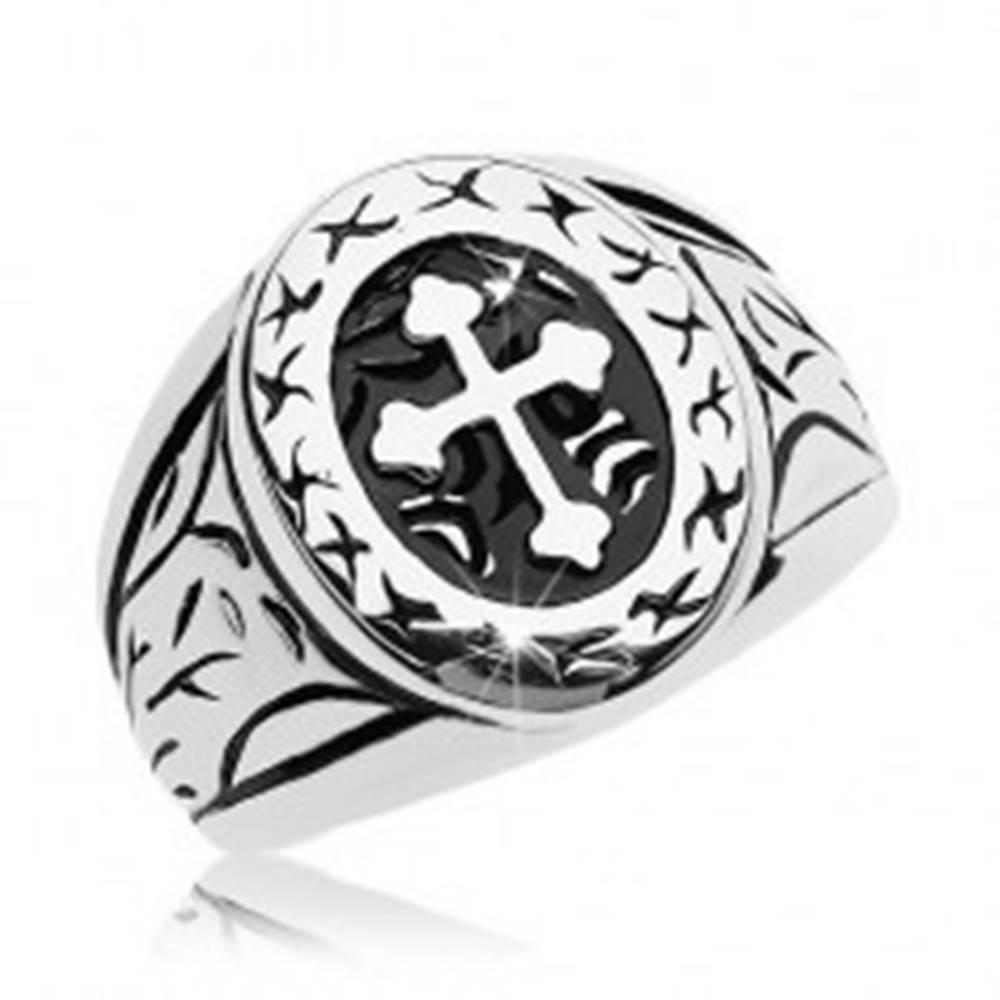 Šperky eshop Prsteň striebornej farby, chirurgická oceľ, veľký ovál s ďatelinovým krížom - Veľkosť: 58 mm