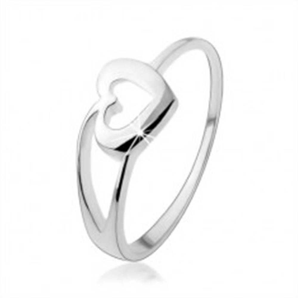 Šperky eshop Prsteň zo striebra 925 s obrysom srdca a rozdvojeným ramenom - Veľkosť: 48 mm