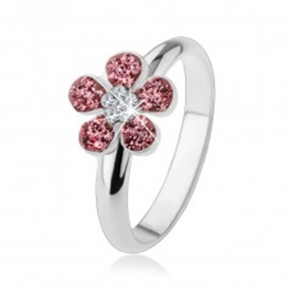 Šperky eshop Prsteň zo striebra 925, žiarivý kvietok vykladaný ružovými a čírymi zirkónmi - Veľkosť: 49 mm