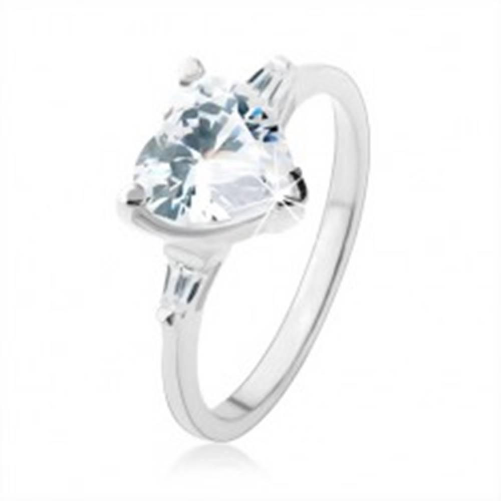 Šperky eshop Zásnubný prsteň zo striebra 925, žiarivé zirkónové srdce čírej farby - Veľkosť: 48 mm