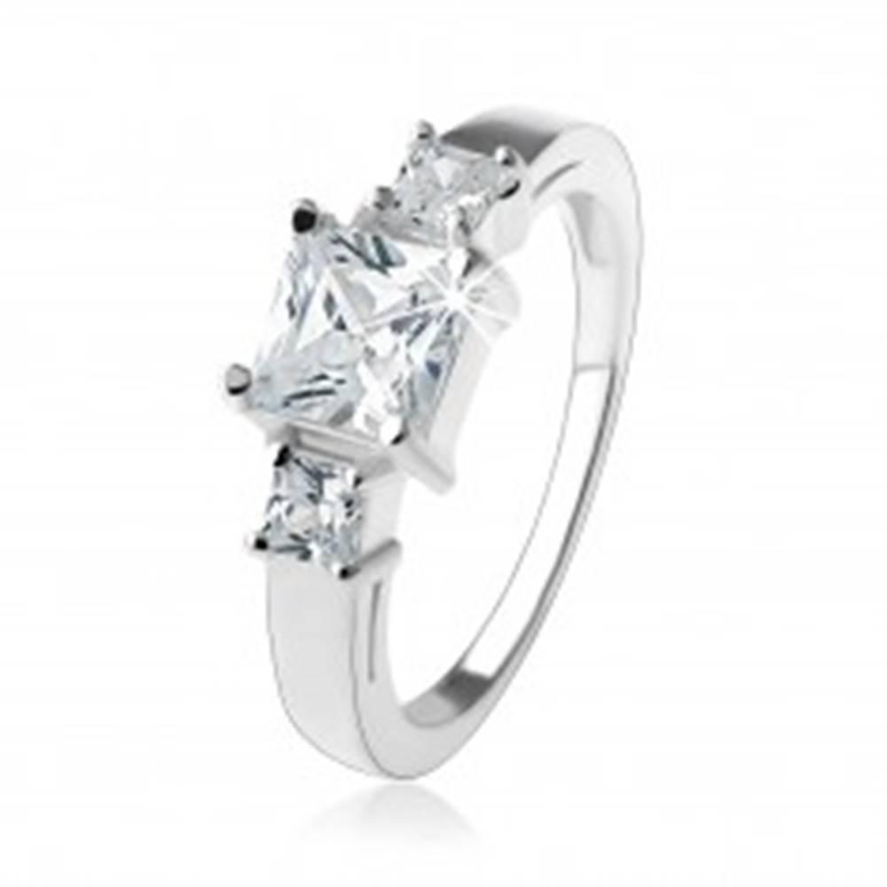 Šperky eshop Zásnubný trblietavý prsteň, štvorcové zirkóny čírej farby, striebro 925 - Veľkosť: 49 mm