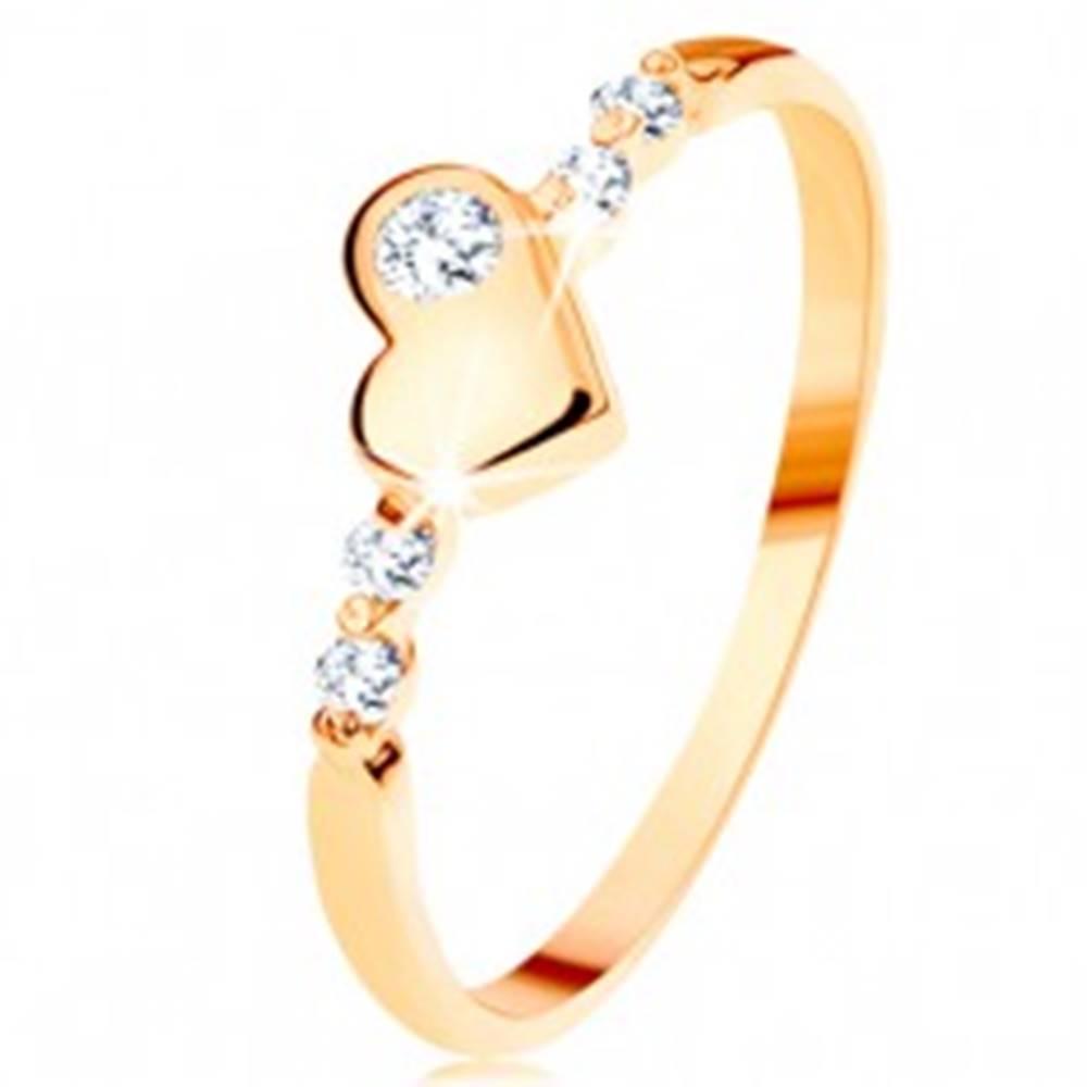 Šperky eshop Zlatý prsteň 585 - vypuklé nepravidelné srdiečko, ligotavé číre zirkóny - Veľkosť: 49 mm