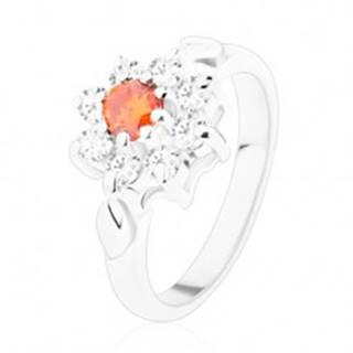 Jagavý prsteň s kvietkom a lístočkami, zirkóny v oranžovej a čírej farbe - Veľkosť: 49 mm