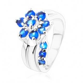 Jagavý prsteň s rozdelenými ramenami, zirkónový kvet v modrom odtieni - Veľkosť: 49 mm