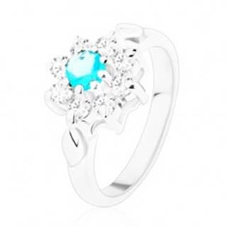 Lesklý prsteň v striebornej farbe, svetlomodrý zirkón s čírymi lupeňmi, lístky - Veľkosť: 49 mm