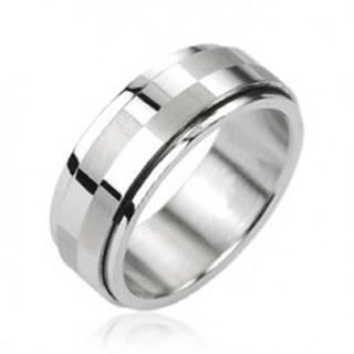 Oceľový prsteň striebornej farby, otáčací stredový pás s motívom šachovnice - Veľkosť: 58 mm