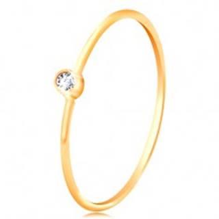 Zlatý diamantový prsteň 585 - ligotavý číry briliant v lesklej objímke, úzke ramená - Veľkosť: 48 mm