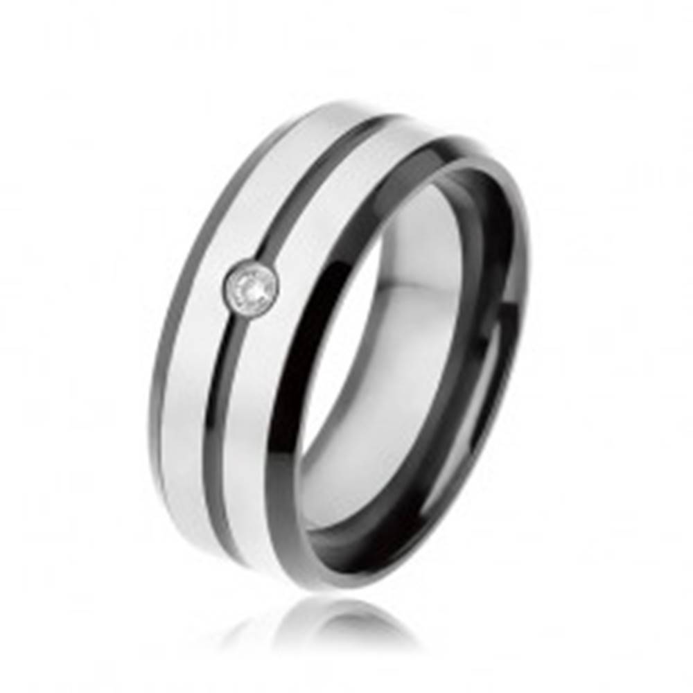 Šperky eshop Čierna obrúčka z ocele 316L, matné pásiky striebornej farby, číry zirkón - Veľkosť: 57 mm