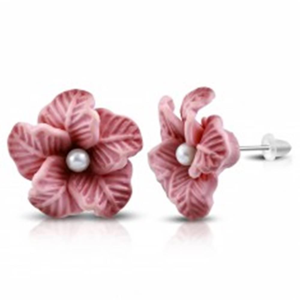 Šperky eshop FIMO náušnice, staroružový kvietok s bielou perličkou v strede