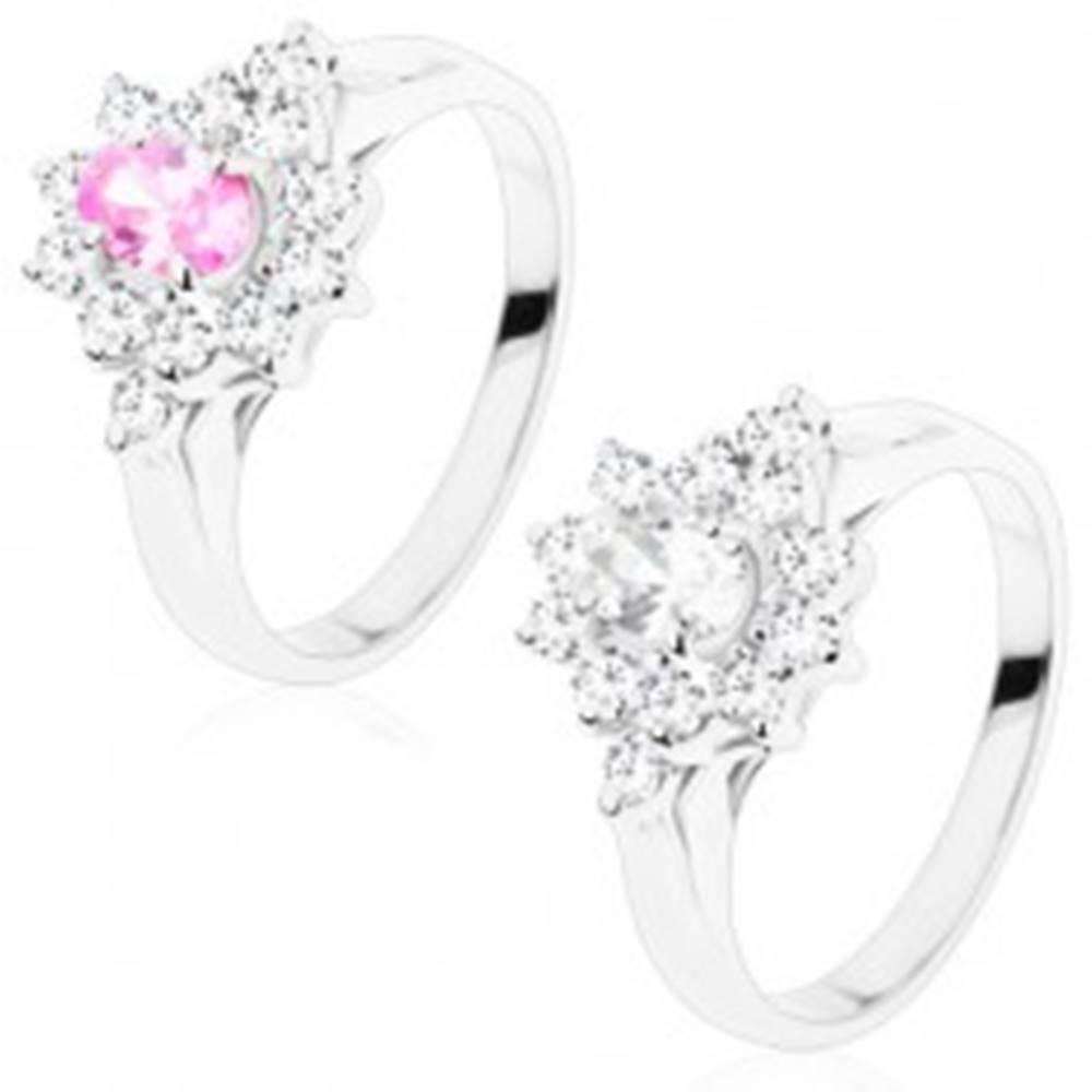 Šperky eshop Ligotavý prsteň s hladkými ramenami, kvet s brúseným oválom, číre lupene - Veľkosť: 49 mm, Farba: Číra