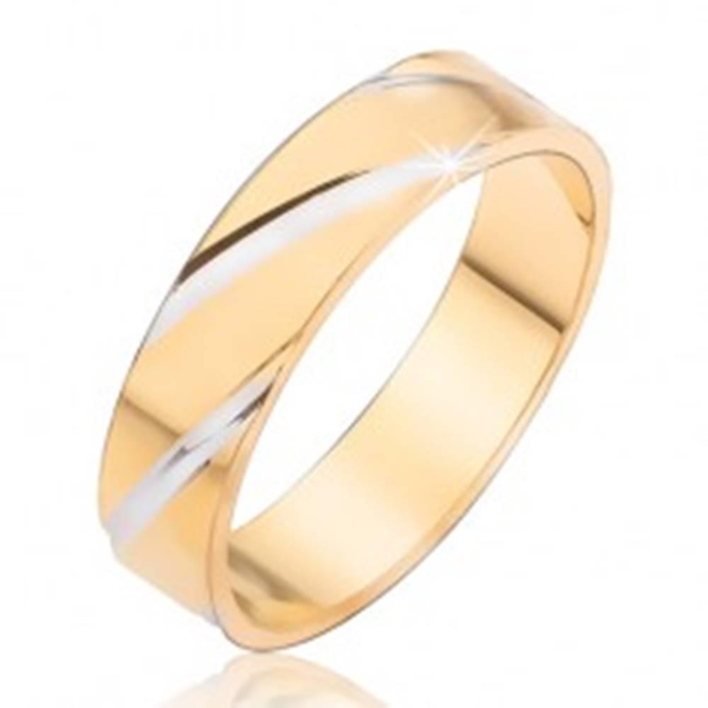 Šperky eshop Obrúčka s diagonálnymi zárezmi striebornej farby - Veľkosť: 48 mm