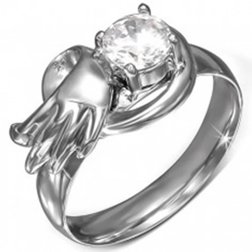 Šperky eshop Oceľový prsteň s okrúhlym čírym zirkónom, anjelské krídlo - Veľkosť: 49 mm