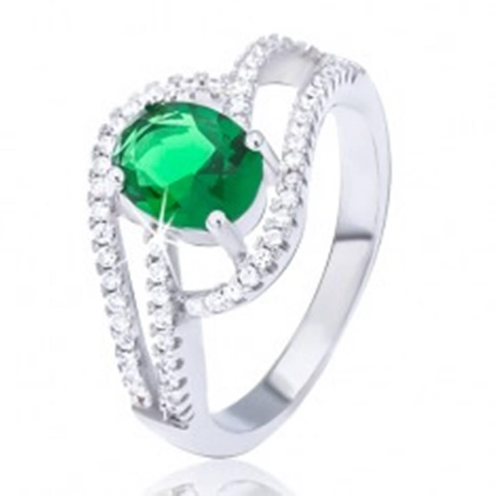 Šperky eshop Prsteň zo striebra 925, zdvojená zirkónová vlnka, oválny zelený kamienok - Veľkosť: 51 mm