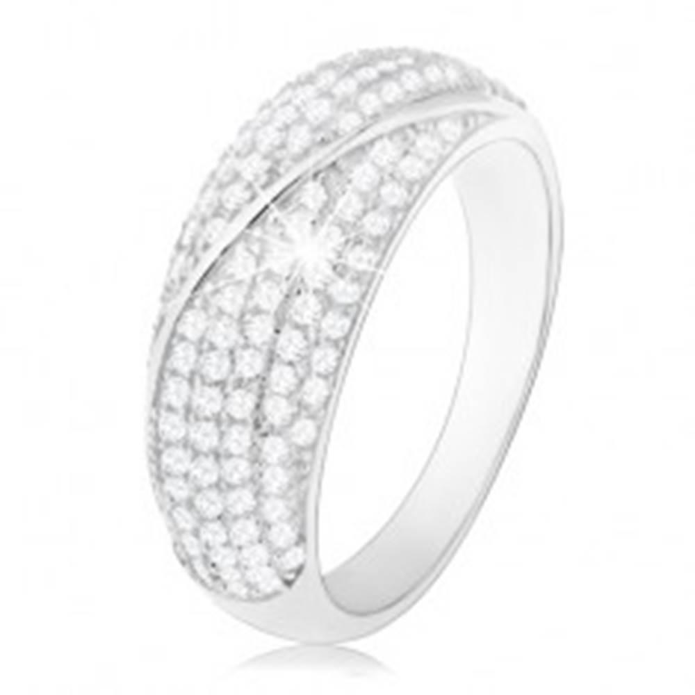 Šperky eshop Ródiovaný prsteň, striebro 925, vypuklý pás zdobený čírymi zirkónikmi - Veľkosť: 50 mm