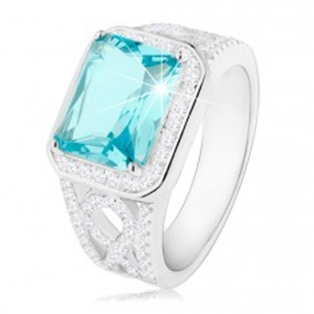 Šperky eshop Strieborný 925 prsteň, ramená s ornamentom, svetlomodrý zirkón, číra obruba - Veľkosť: 50 mm