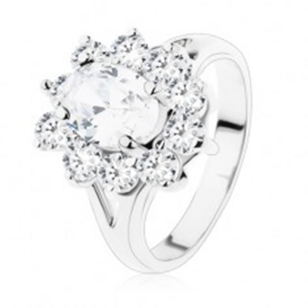Šperky eshop Trblietavý prsteň so striebornou farbou, rozdvojené ramená a číre zirkóny - Veľkosť: 49 mm