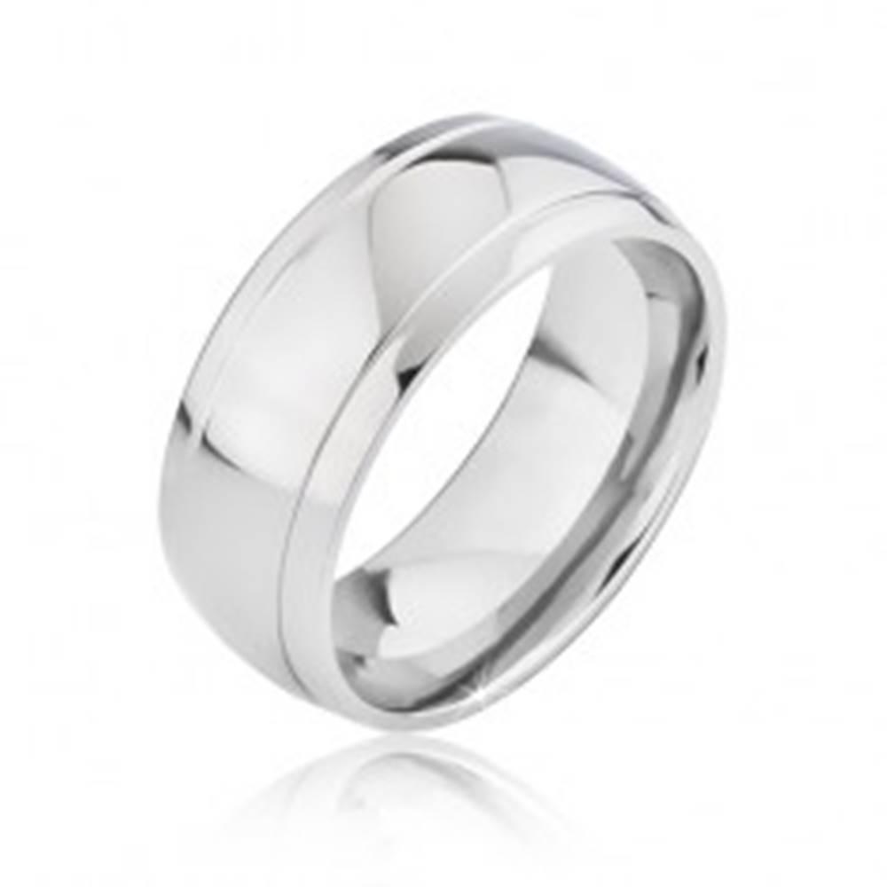 Šperky eshop Zaoblená lesklá obrúčka z titánu s dvomi zárezmi - Veľkosť: 57 mm