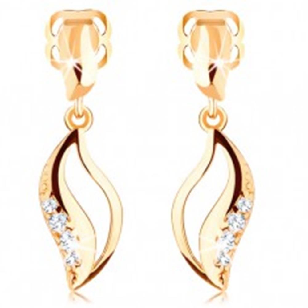 Šperky eshop Briliantové náušnice v žltom 14K zlate - zvlnené zrnko s výrezom a diamantmi