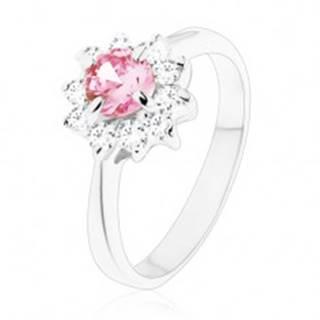 Lesklý prsteň so zirkónovým kvietkom v ružovej a čírej farbe, zúžené ramená - Veľkosť: 49 mm
