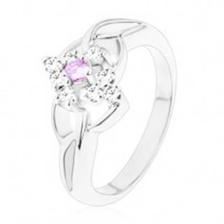 Ligotavý prsteň so striebornou farbou, rozdelené ramená, fialové a číre zirkóny - Veľkosť: 54 mm