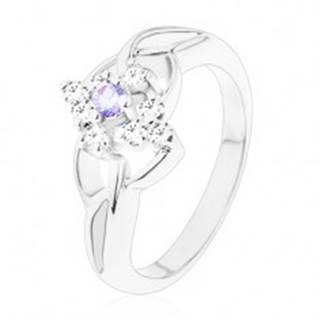 Ligotavý prsteň so strieborným odtieňom, asymetrické ramená, svetlofialový zirkón - Veľkosť: 48 mm