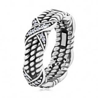 Patinovaný strieborný prsteň 925, motív točeného lana, krížiky so zirkónmi - Veľkosť: 50 mm