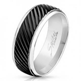 Prsteň z ocele 316L striebornej farby, čierny pás so šikmými zárezmi, 8 mm - Veľkosť: 59 mm