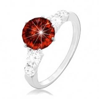 Strieborný prsteň 925, okrúhly červený zirkón a číre zirkóny na ramenách - Veľkosť: 49 mm