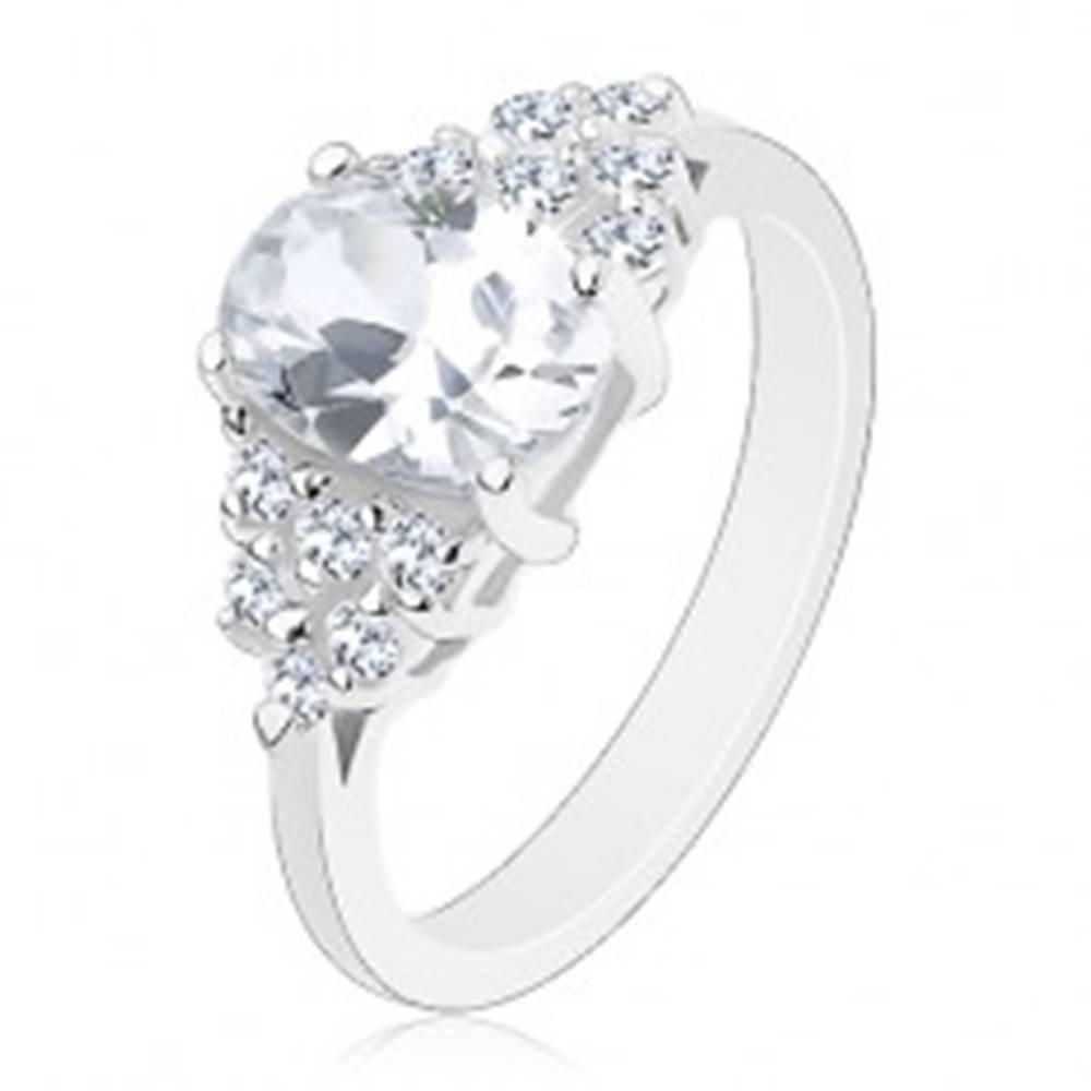 Šperky eshop Lesklý prsteň so zúženými ramenami, brúsené zirkóny v transparentnej farbe - Veľkosť: 49 mm