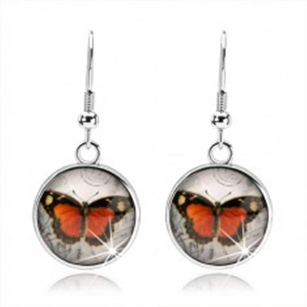 Šperky eshop Náušnice cabochon s vypuklým čírym sklom, oranžovo-čierny motýlik