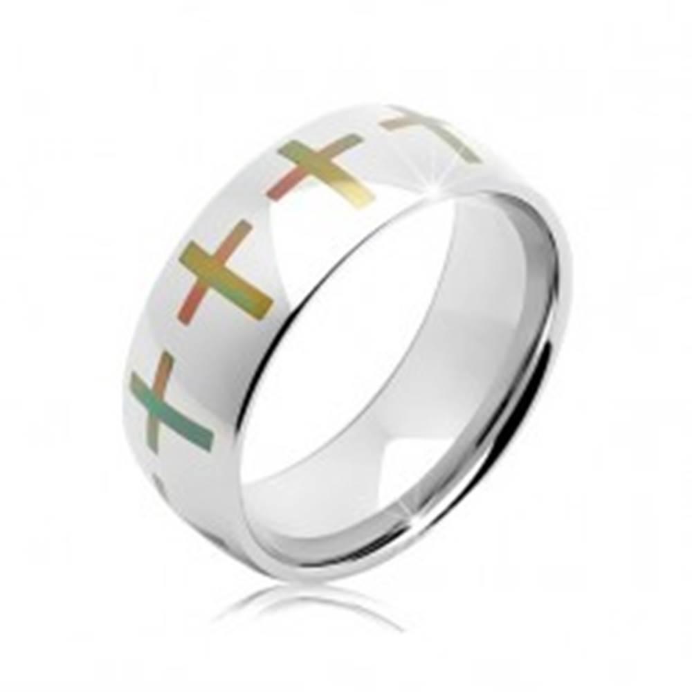 Šperky eshop Oceľová obrúčka striebornej farby, dúhové kríže po obvode, 6 mm - Veľkosť: 52 mm