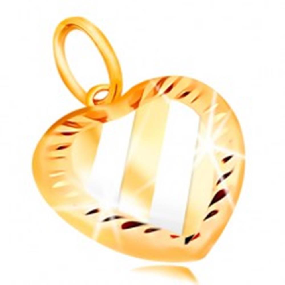 Šperky eshop Prívesok v 14K zlate - dvojfarebné srdce so šikmými pásmi a zárezmi po obvode