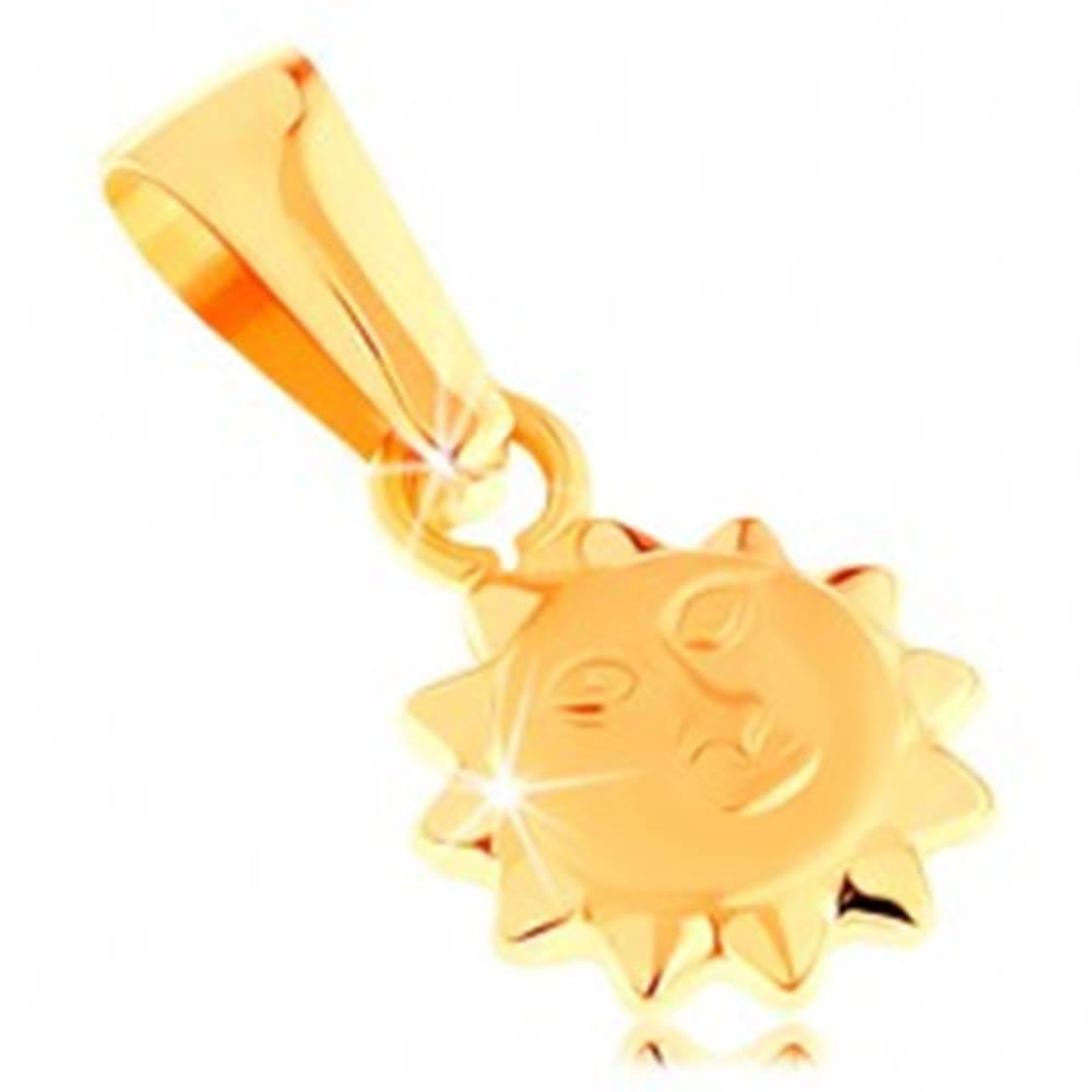 Šperky eshop Prívesok v žltom 14K zlate - lesklé vypuklé slnko s matnou tvárou