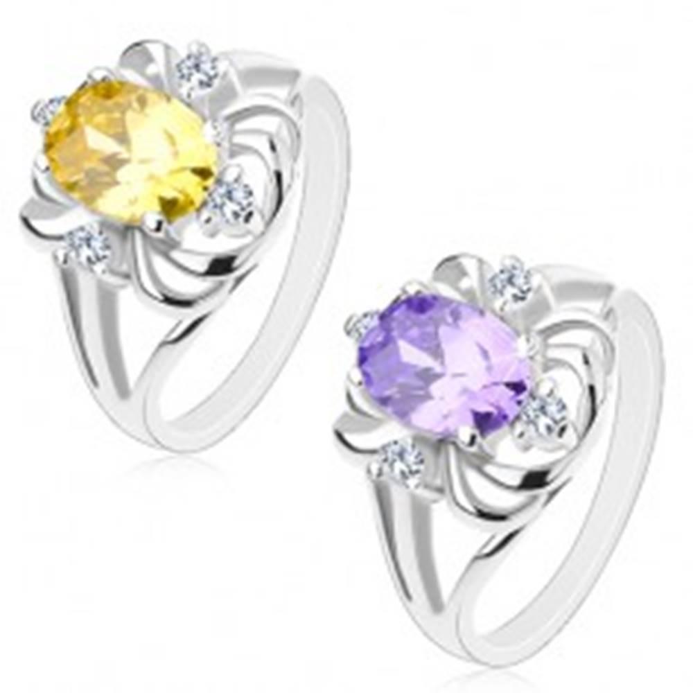 Šperky eshop Prsteň s lesklými rozvetvenými ramenami, veľký oválny zirkón, lesklé oblúčiky - Veľkosť: 49 mm, Farba: Žlto - Zelená