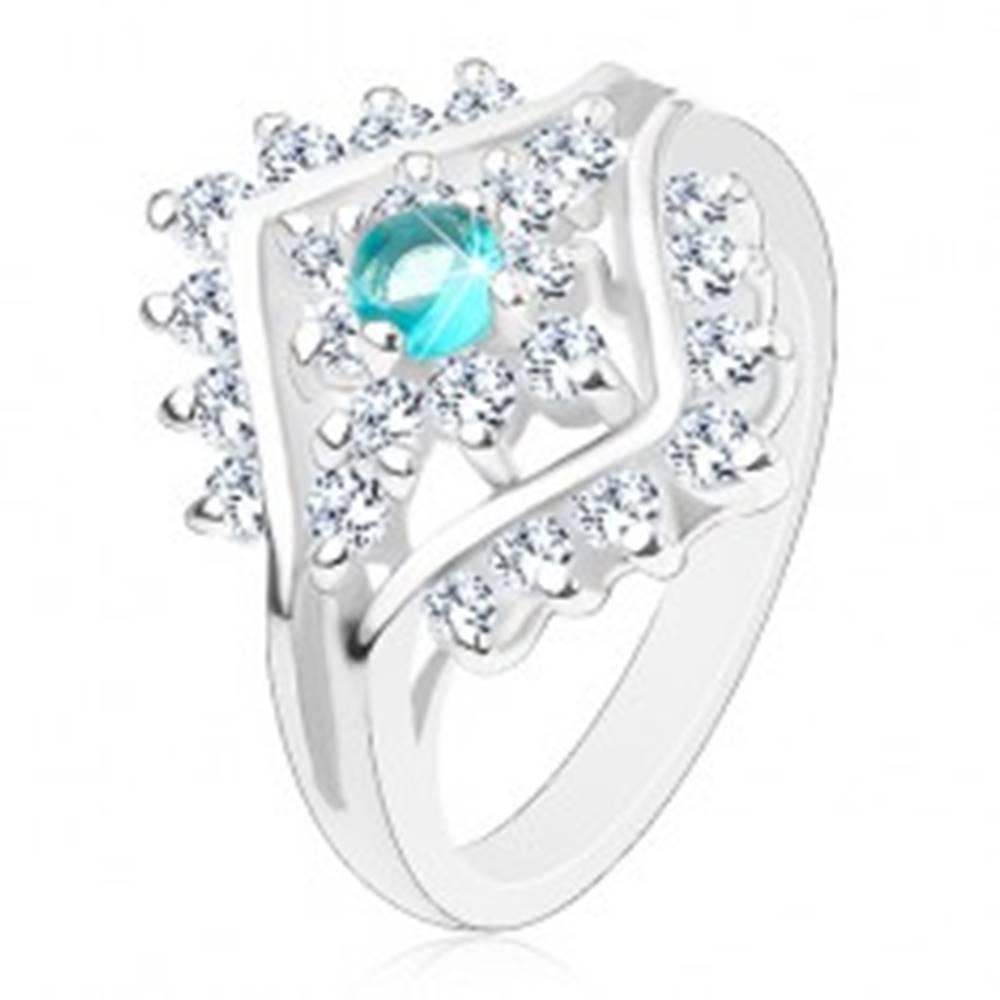 Šperky eshop Prsteň s úzkymi ramenami, okrúhly zirkón akvamarínovej farby, číre zirkóniky - Veľkosť: 48 mm