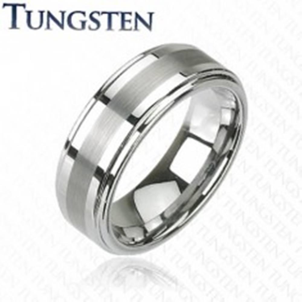 Šperky eshop Prsteň z tungstenu v tmavosivom lesklom odtieni, brúsený stredový pás, 8 mm - Veľkosť: 49 mm