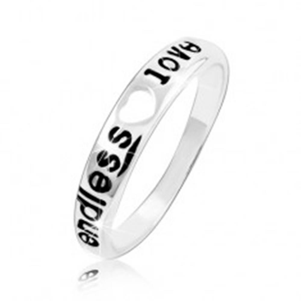 Šperky eshop Strieborný prsteň 925, srdiečkový výrez a nápis endless love - Veľkosť: 48 mm