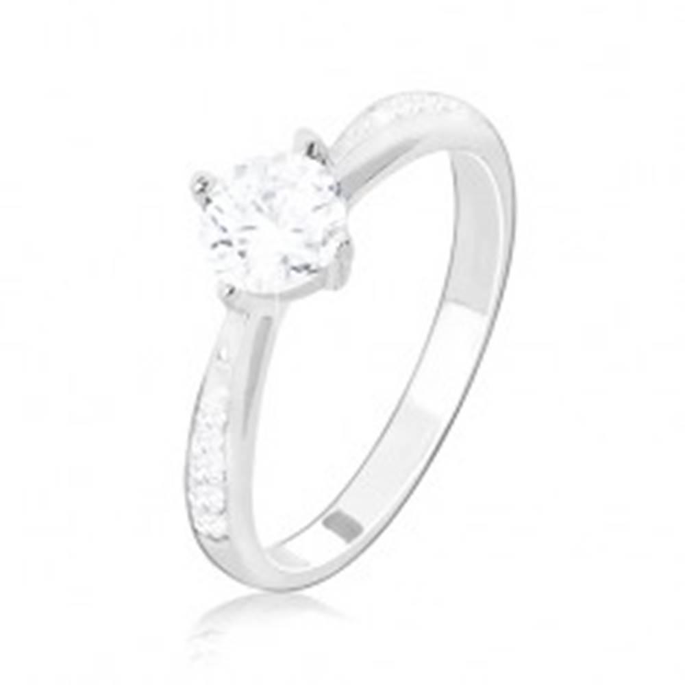Šperky eshop Zásnubný prsteň, striebro 925,  zdobené ramená, číry okrúhly zirkón - Veľkosť: 49 mm