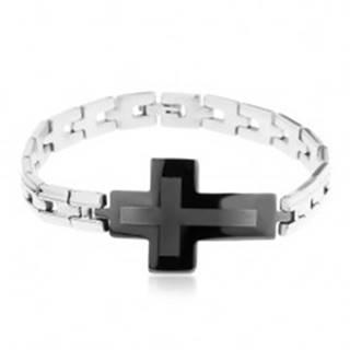 Oceľový náramok striebornej farby, lesklé články a veľký sivo-čierny kríž