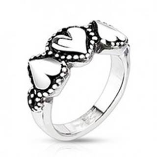 Oceľový prsteň so srdiečkami - bodkované okraje, patinovaný - Veľkosť: 49 mm