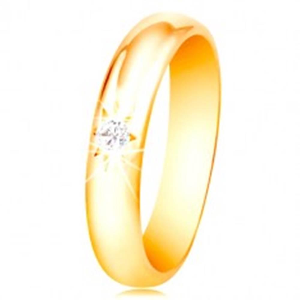 Šperky eshop Obrúčka v žltom 14K zlate so zaobleným povrchom, hviezdičkou a čírym zirkónom - Veľkosť: 48 mm